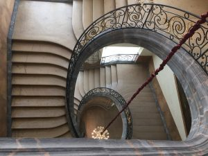 Escalier Musée des Beaux-Arts Nancy Faux handicaps